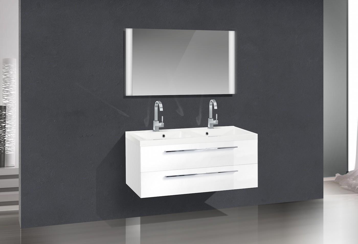 Badezimmerm bel set mit waschbecken und doppelwaschtisch for Badezimmermobel set