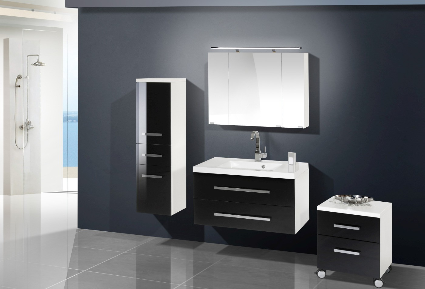 badm bel set mit spiegelschrank 90 cm 469. Black Bedroom Furniture Sets. Home Design Ideas