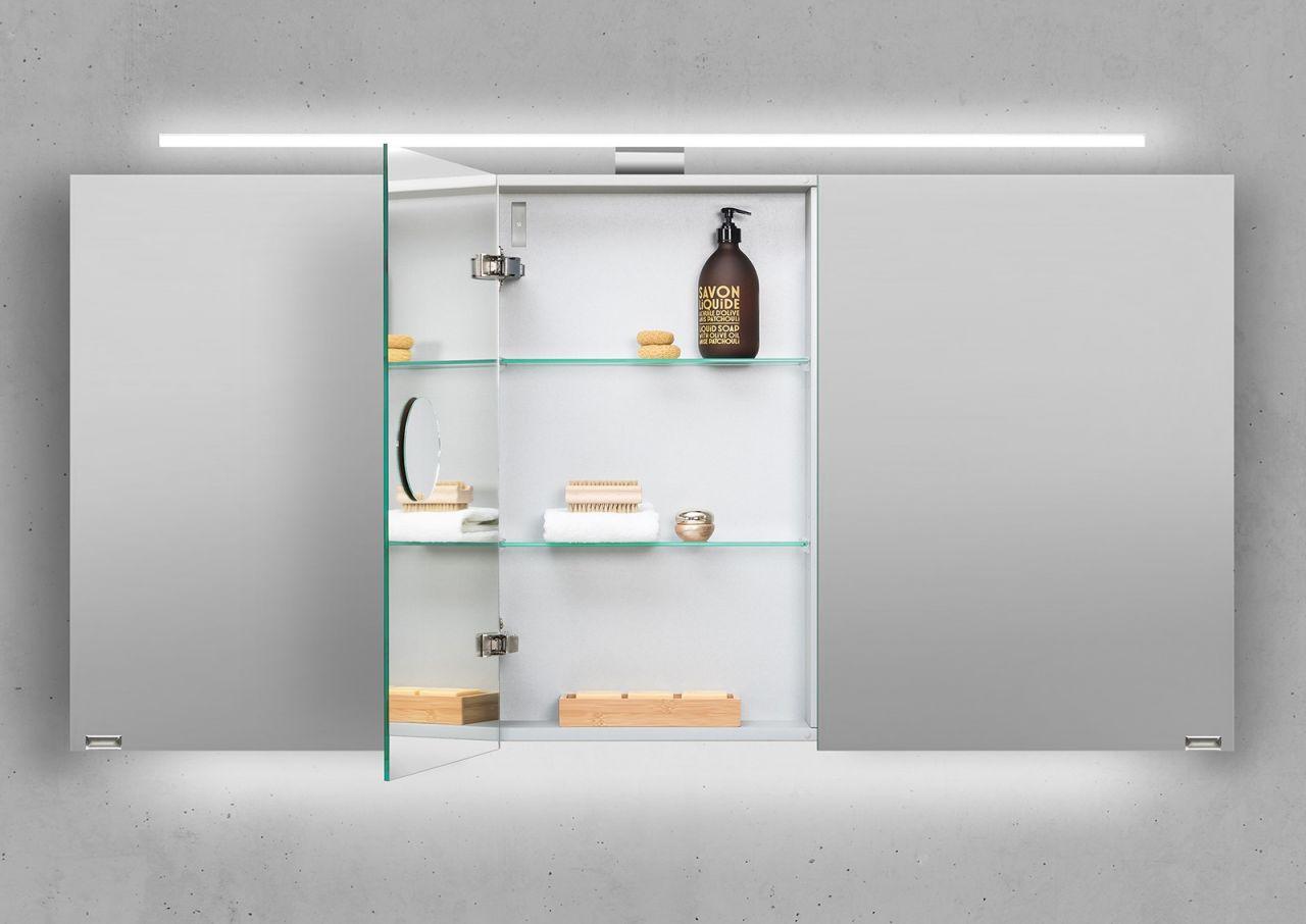 spiegelschrank 140 cm led beleuchtung doppelseitig verspiegelt wei hochglanz ebay. Black Bedroom Furniture Sets. Home Design Ideas