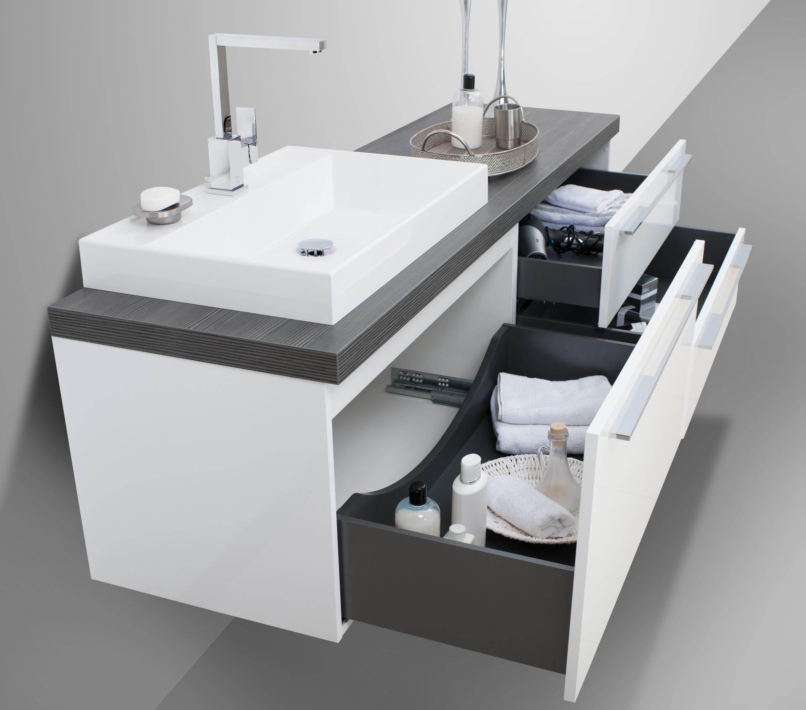 badm bel set luxor mit spiegelschrank und design waschtisch. Black Bedroom Furniture Sets. Home Design Ideas